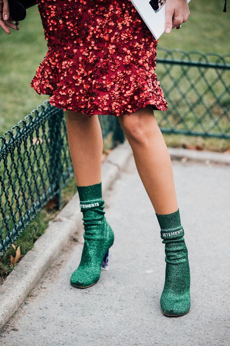 Giày cao gót kim tuyến kiêu sa cho những buổi tiệc cuối năm