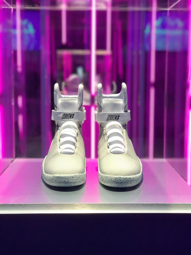 100.000 USD đấu giá cho giày Nike tự thắt dây