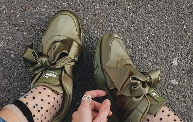 4 kiểu sneaker nào đang khiến giới trẻ toàn cầu ngã gục trước vẻ đẹp lộng lẫy của chúng