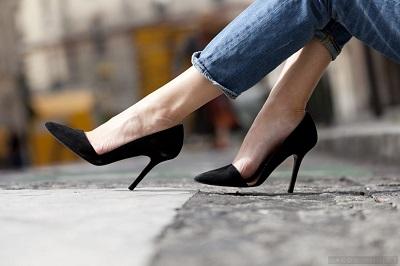 7 đôi giày mà mọi cô nàng nên có trong tủ đồ