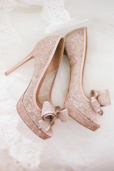 Cẩm nang giúp cô dâu chọn được đôi giày cưới như ý