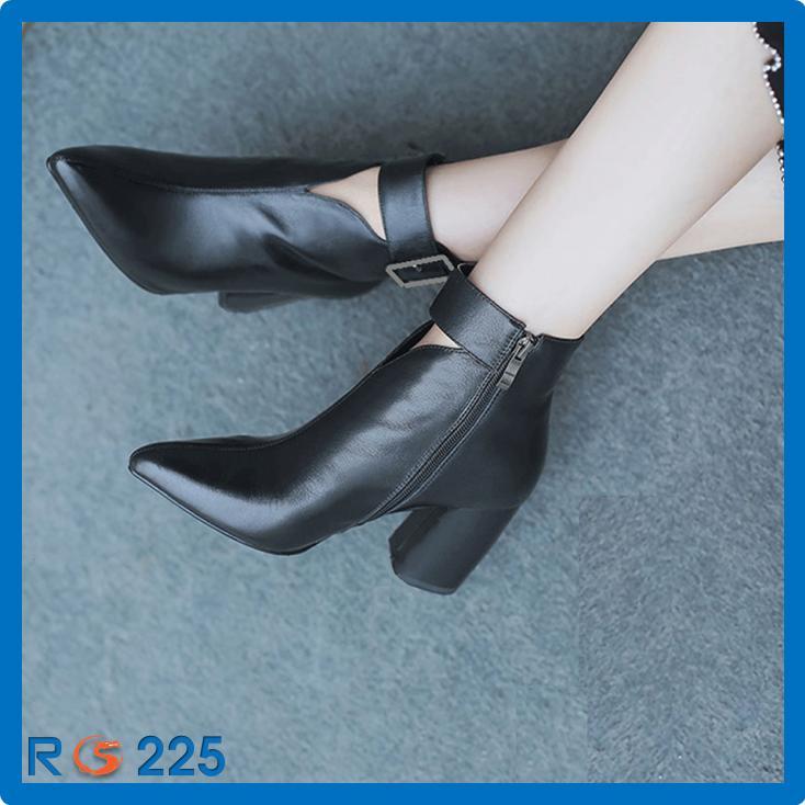 Giày Boot Nữ Cổ Lỡ RO225 màu đen