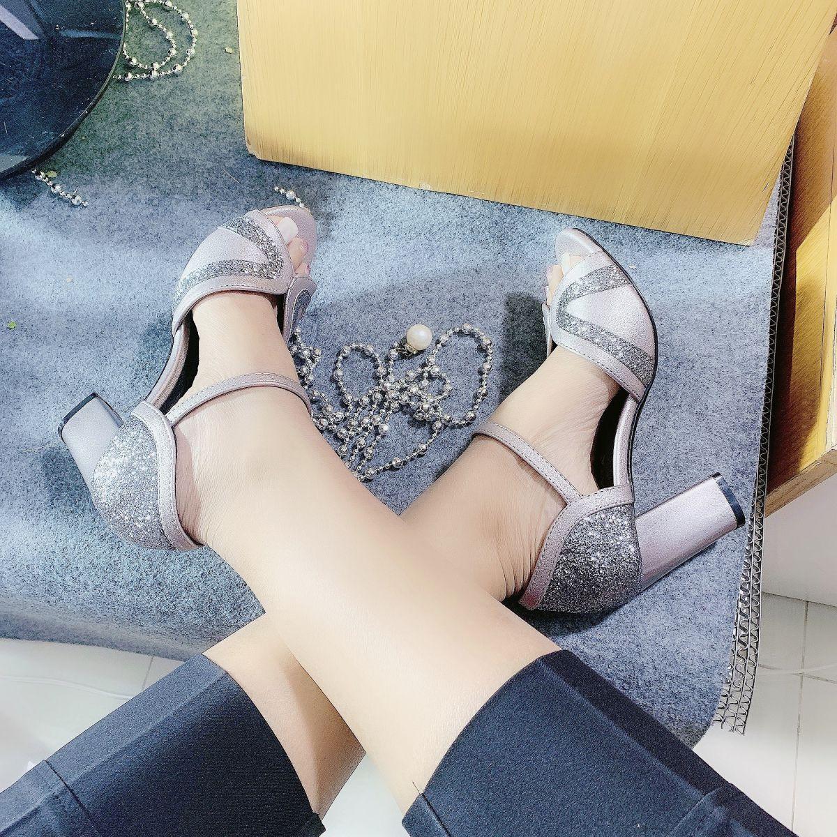 Giày Sandal hỡ mũi RO268 Màu Ghi