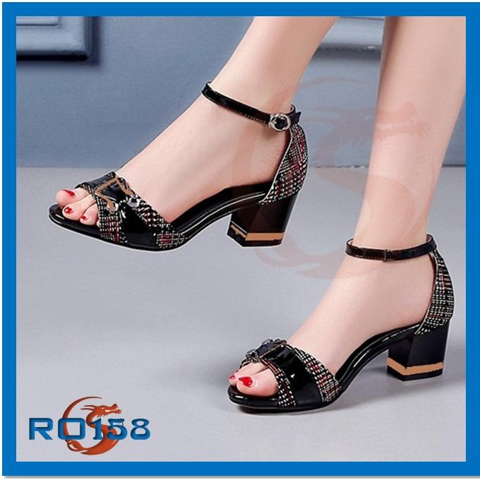 Giày xăng đan nữ CARO RO158