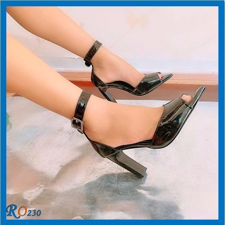 Giày xăng đan nữ Mũi Nhọn RO230