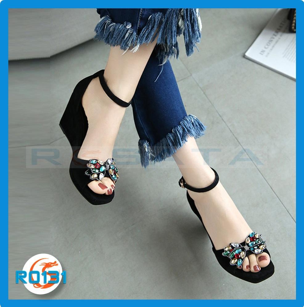 Giày xăng đan nữ RO131 Đen Nhung