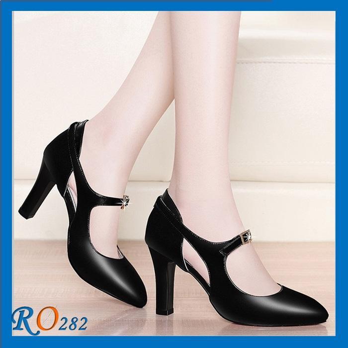 Giày xăng đan nữ RO282 Màu Đen