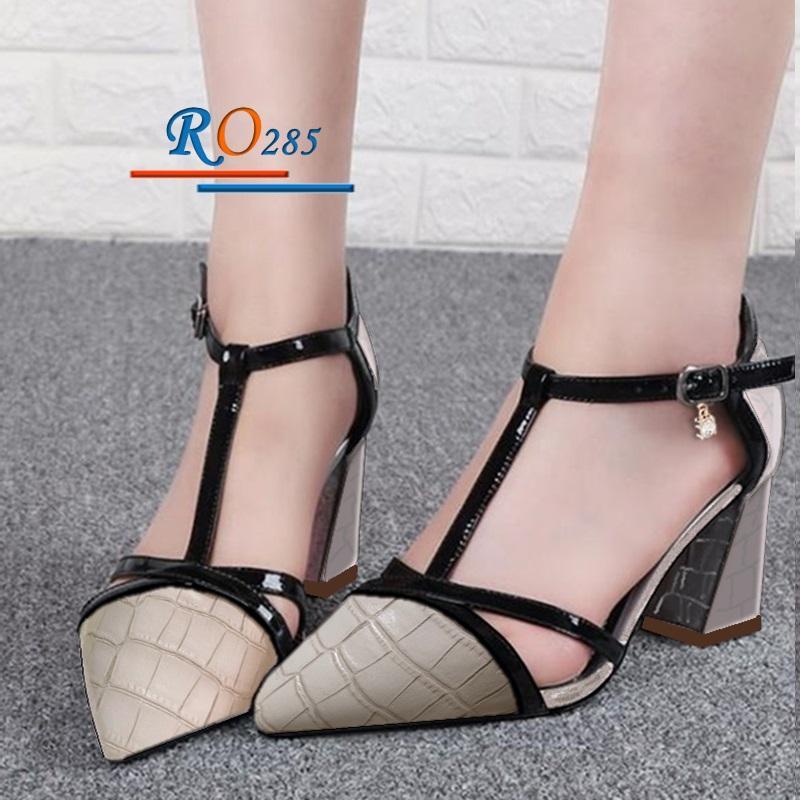 Giày xăng đan nữ RO285 màu Kem