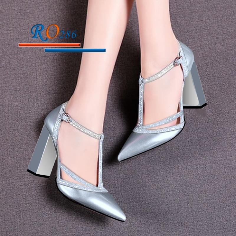 Giày xăng đan nữ RO286