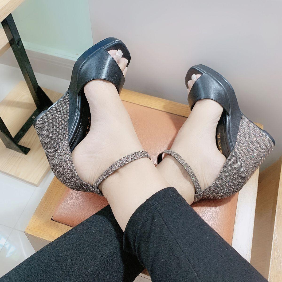 Giày xăng đan nữ XĐN06 màu đen