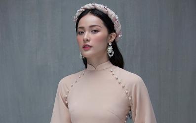 Hạ Vi đẹp mong manh và nhẹ nhàng trong những thiết kế áo dài mới nhất dành cho Tết Nguyên Đán 2018