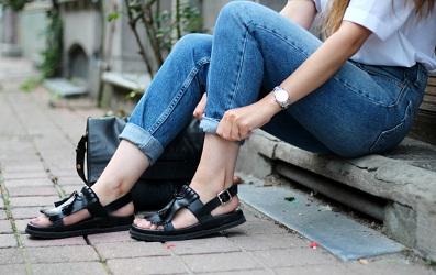 Làm sao để da chân luôn hồng hào, mềm mại để diện sandal