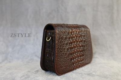 Túi đeo chéo nữ da cá sấu TDCNU01