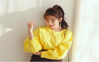 Tuyệt chiêu mặc áo sơ mi cách điệu cho các cô gái đón đầu xu hướng thời trang hè 2018